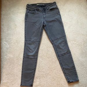 Mid-Rise Grey Skinny Jeans Size 6
